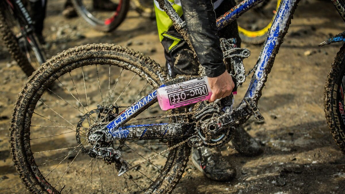 - Muc-Off Nano Tech, čistilo za kolo 1L - OPTIBIKE