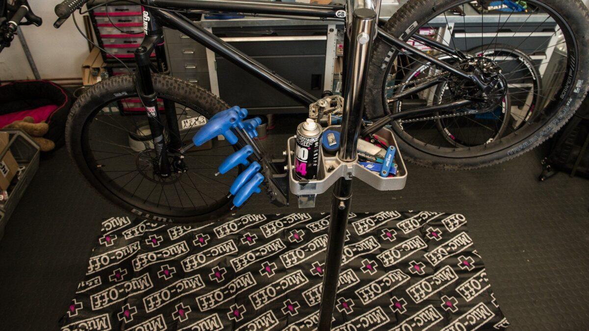- Muc-Off Bike Mat, zložljiva podloga za zaščito tal - OPTIBIKE