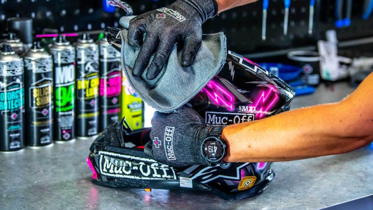 - Muc-off Helmet Visor & Goggle Cleaner, čistilo za očala in čelado (kit) - OPTIBIKE