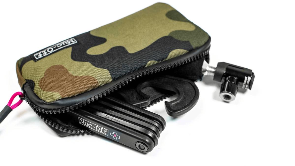 - Muc-Off Essentials Case, torbica za osnovno kolesarsko opremo - OPTIBIKE