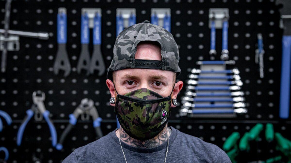 - MUC-OFF zaščitna maska za večkratno uporabo (woodland camo) - OPTIBIKE