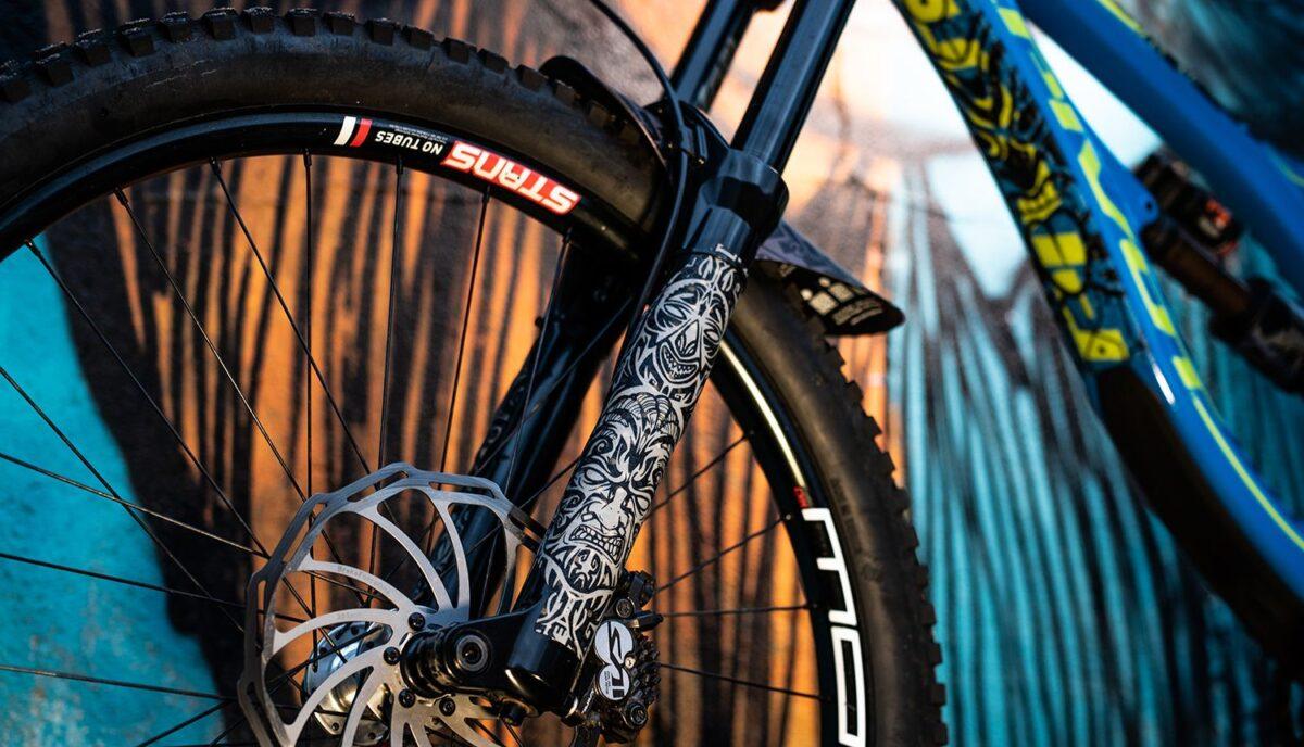 - Riesel Design zaščita vilic Forktape 3000 Maori - OPTIBIKE