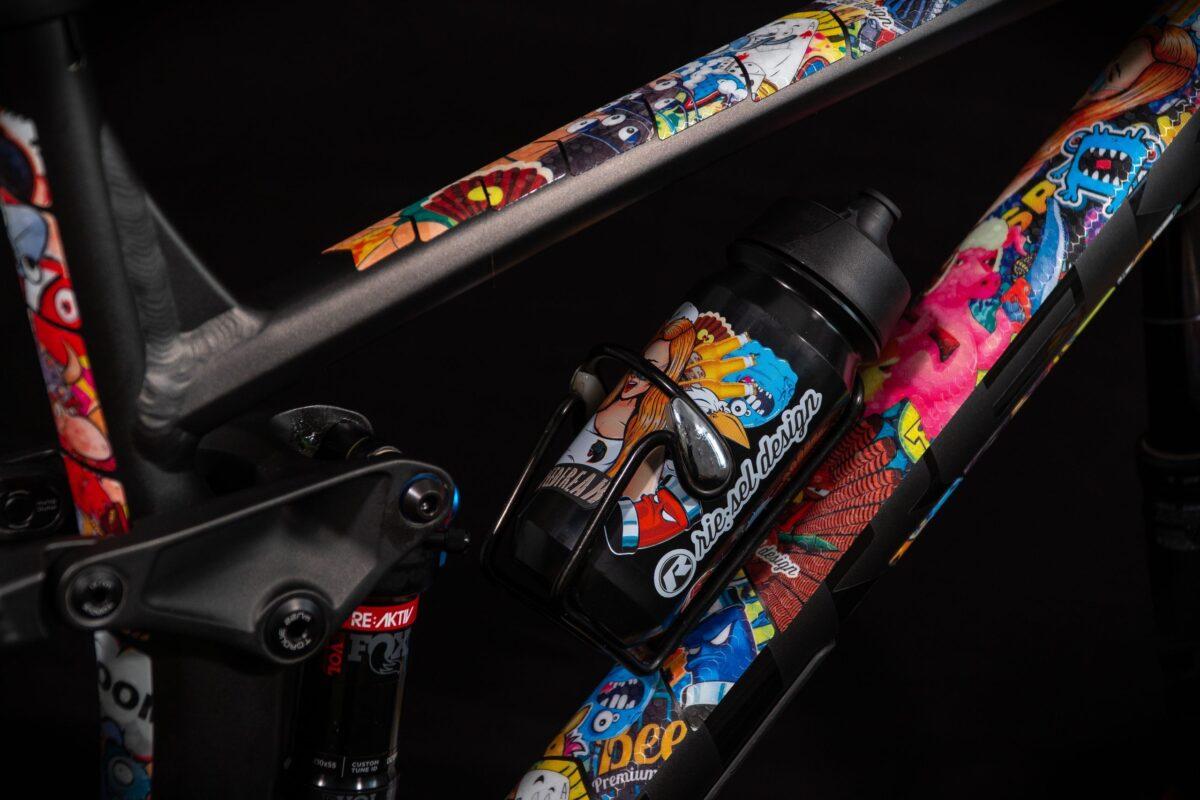 - Riesel Design zaščita okvirja Frametape 3000 Stickerbomb - OPTIBIKE